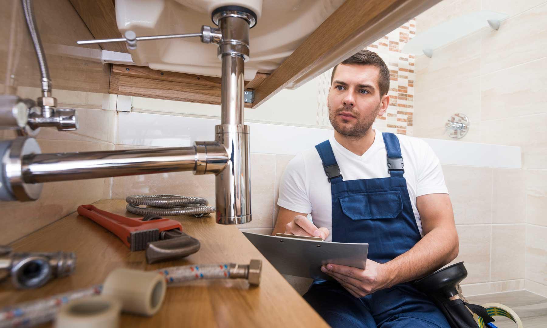 Facture de plomberie : qui paye entre locataire et propriétaire ?